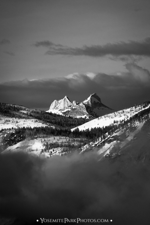Echo Peaks portrait in black and white - zoomed in from Glacier Point