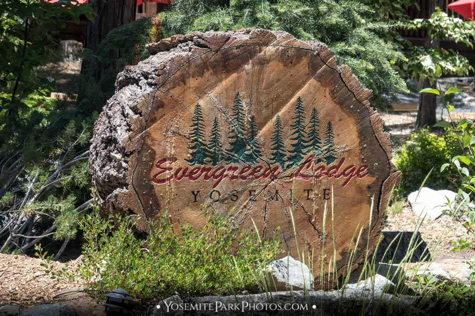 Evergreen Lodge Sign - Best Yosemite Hotels