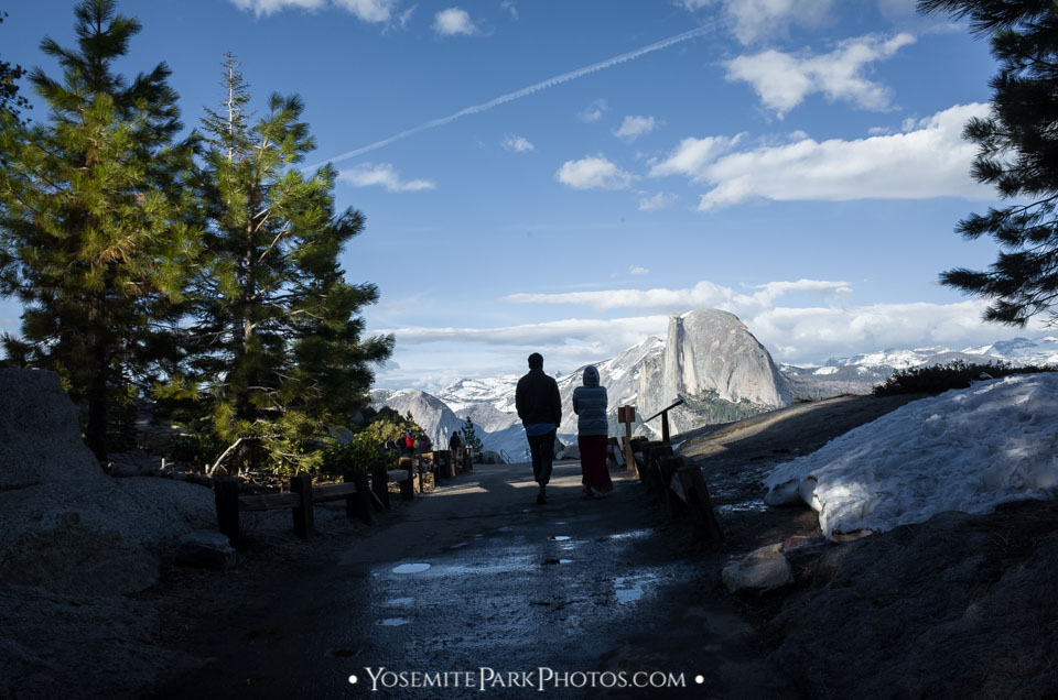Couple walking, silhouette with Half Dome view - Glacier Point