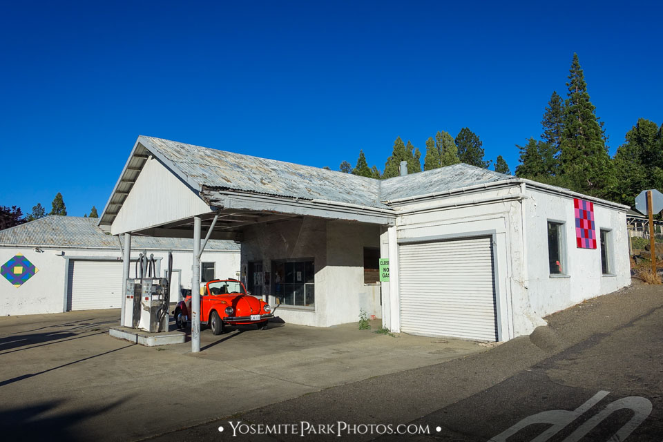 Abandoned gas station in Groveland town