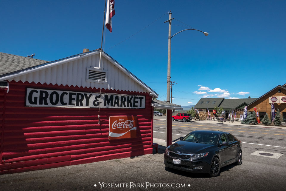 Grocery & Market in Lee Vining Town, CA