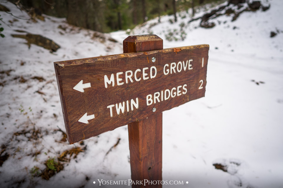Merced Grove trail sign pointing